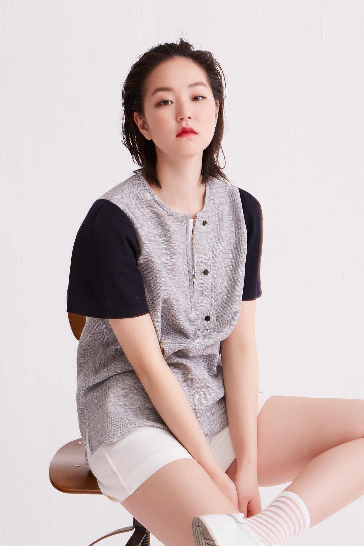 [OFF 50%] Color Contrast Knit Sleeves Top Light Grey