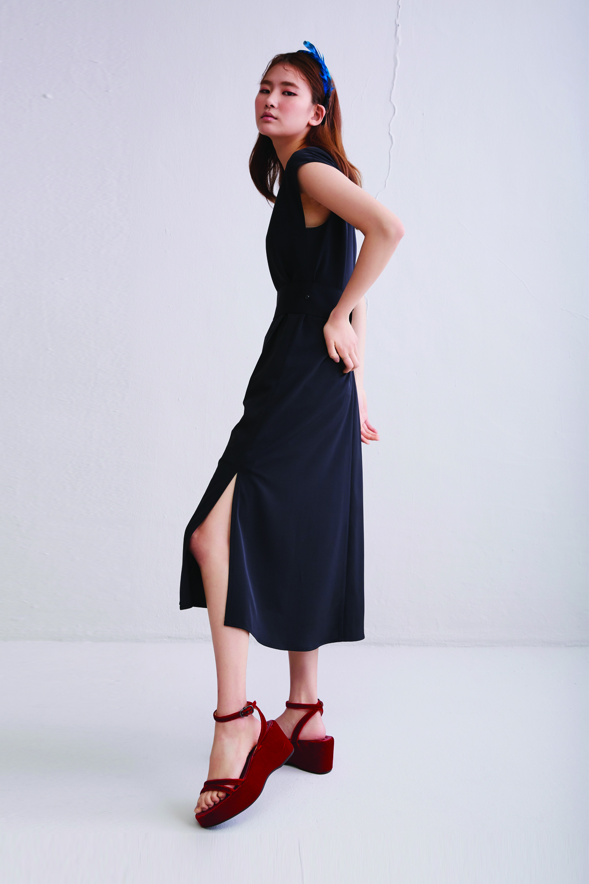 [50%OFF] One Side Open Back Flared Dress Black