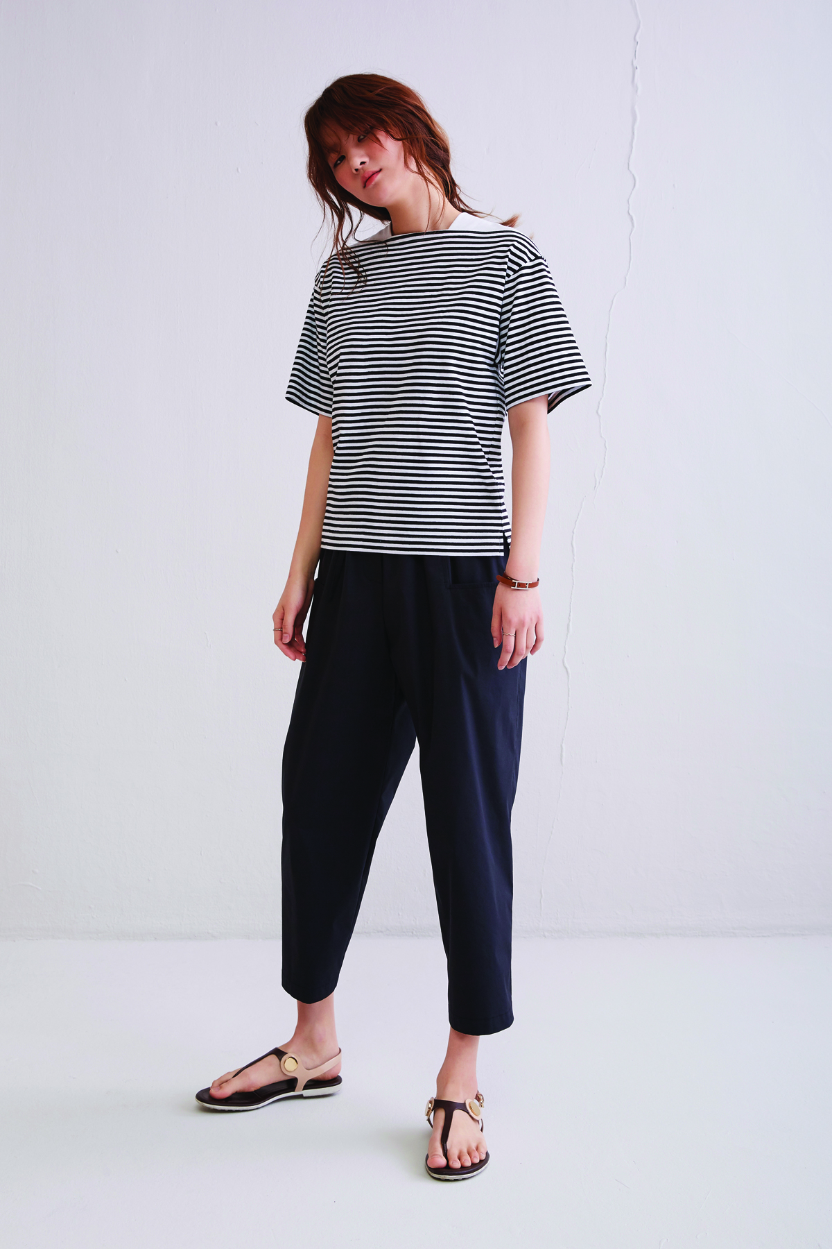 [50%OFF] Loose Fit Striped Crop T-Shirt Black