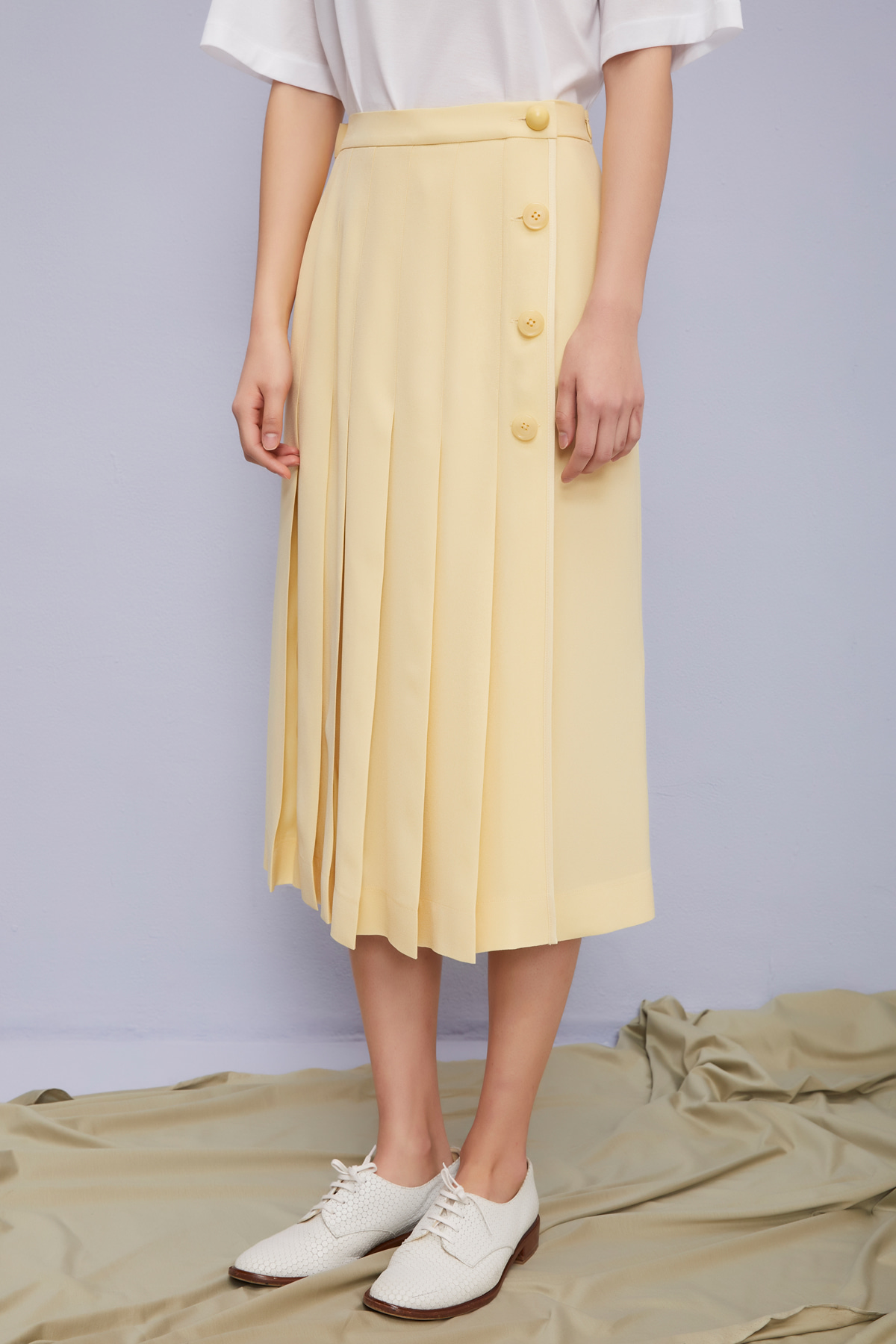 One Side Open Pleated Midi Skirt Camomile