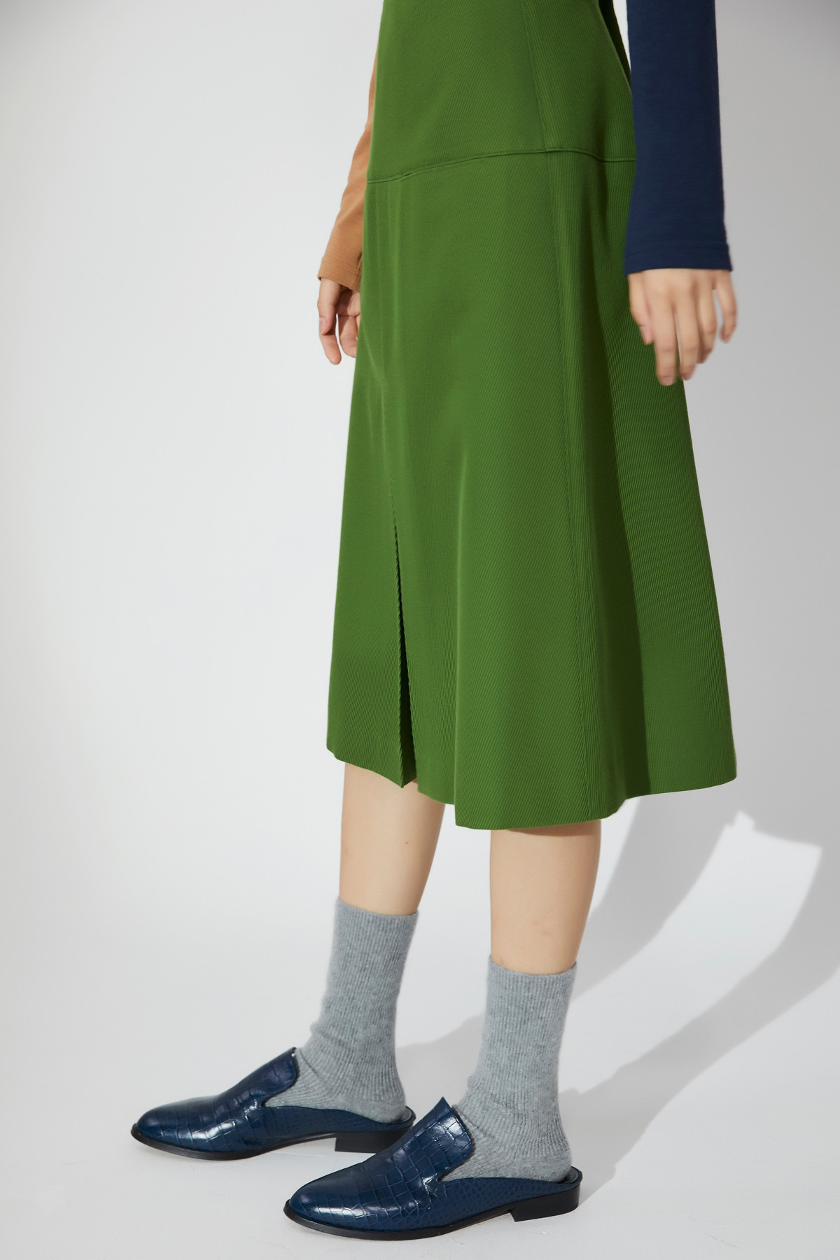 Inverted Pleats A Line Skirt Green