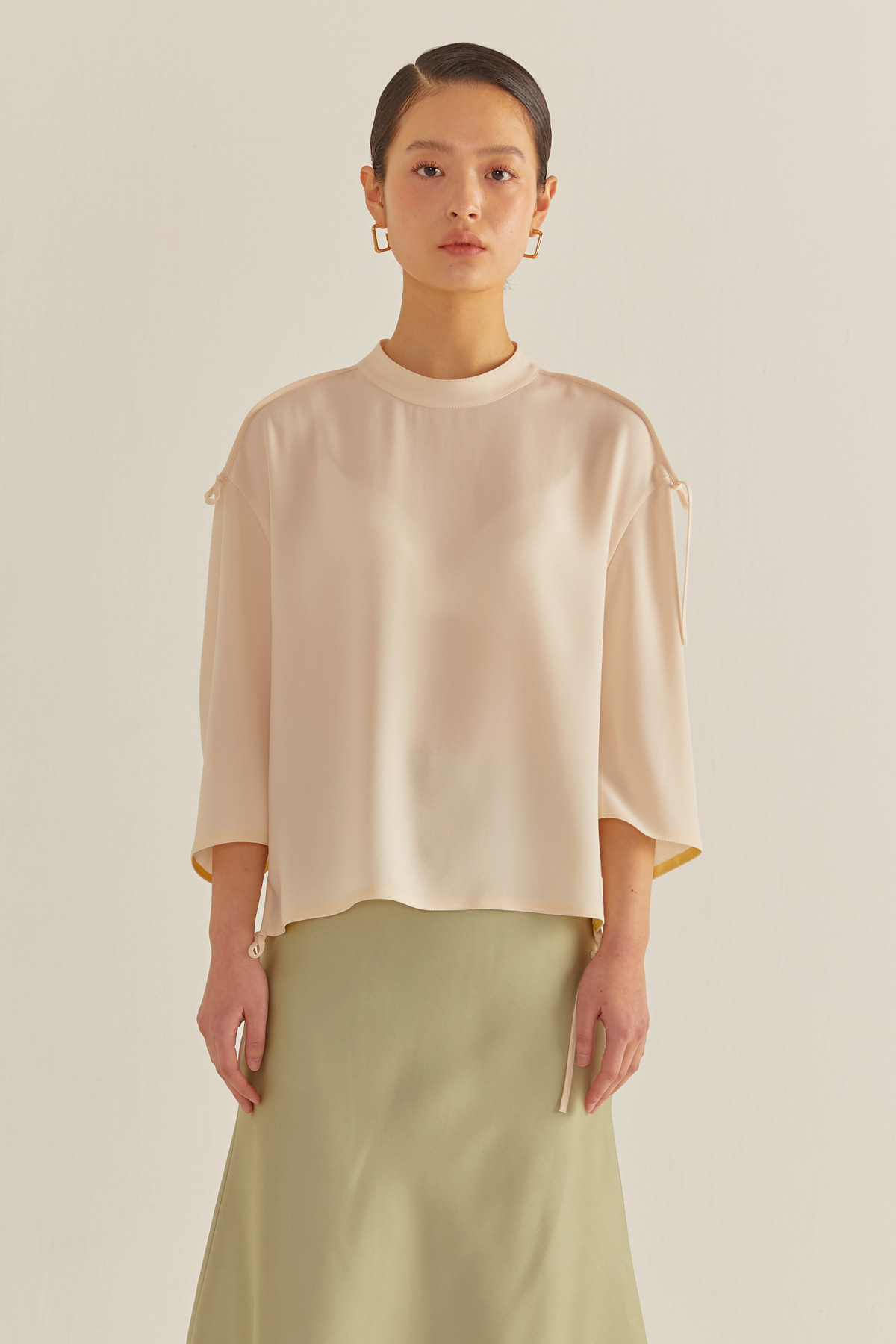 Bias String Cropped Blouse Ivory