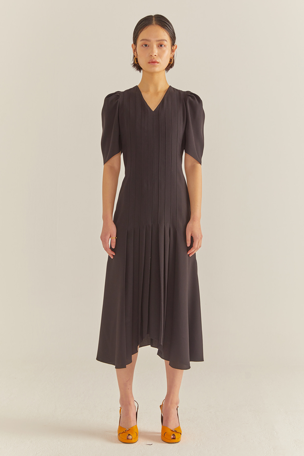 Volumed Sleeves Flared Dress Black
