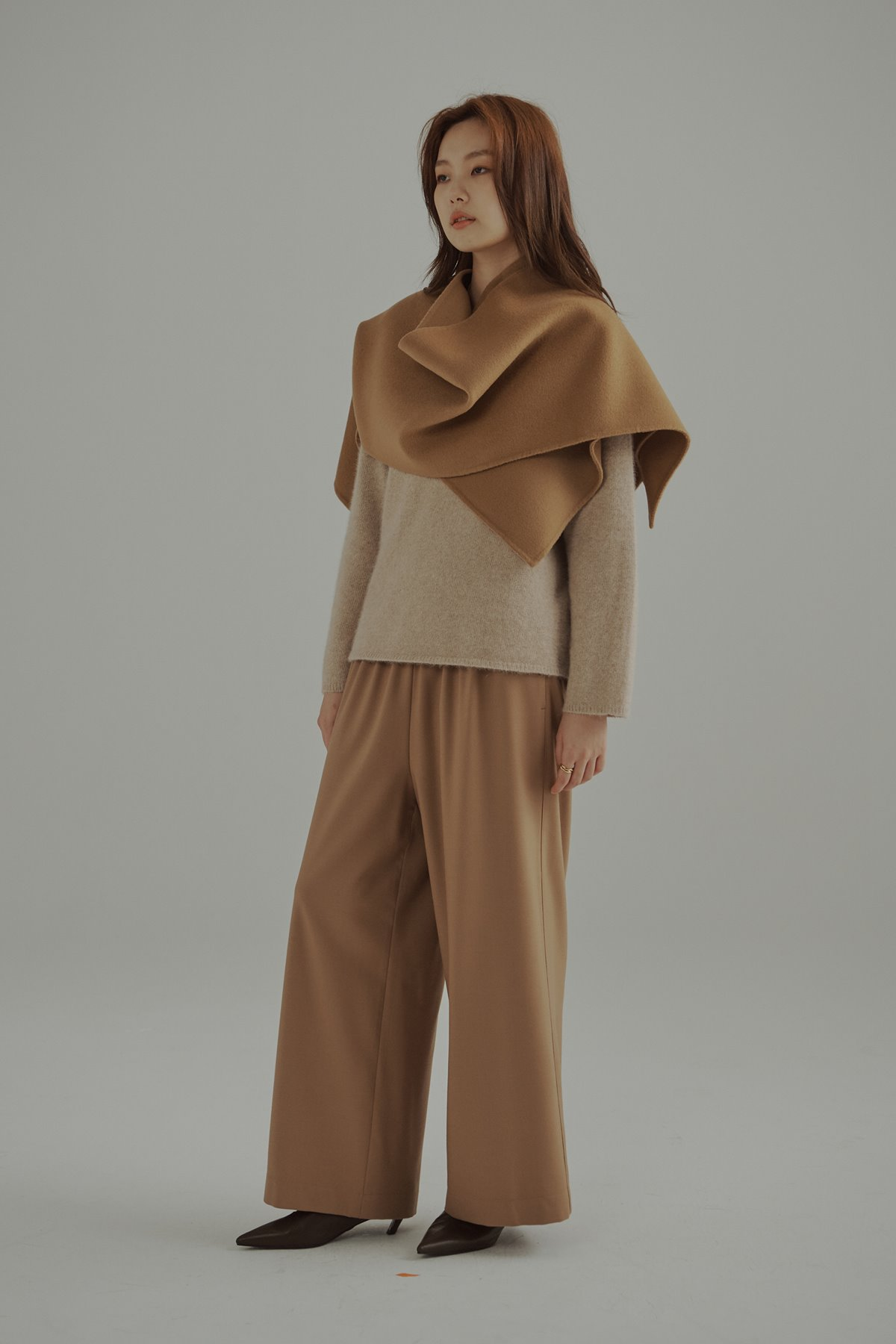 Banded Waist Wool Blend Trousers Camel